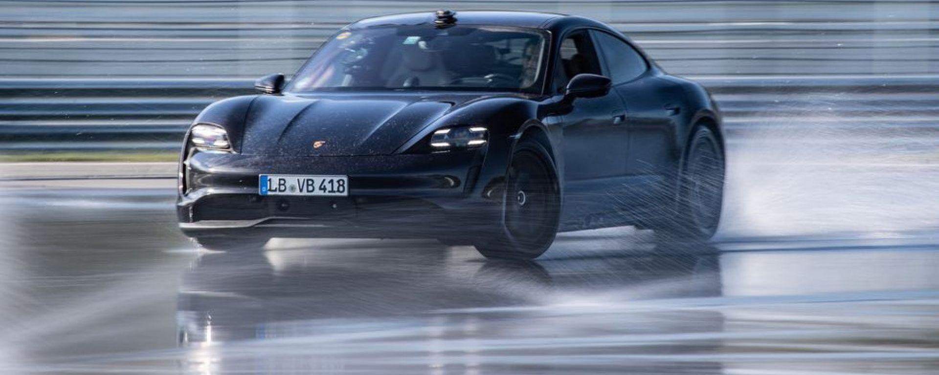Porsche Taycan e il drifting da record [VIDEO]