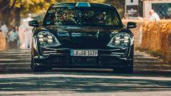 Porsche Taycan: il frontale