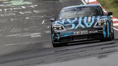 Porsche Taycan, record al 'Ring tra le elettriche 4 porte