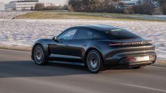 Porsche Taycan RWD, modello base sarai tu. La prova video - Immagine: 11
