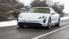 Porsche Taycan RWD, modello base sarai tu. La prova video - Immagine: 14