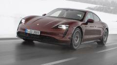 Porsche Taycan RWD, modello base sarai tu. La prova video - Immagine: 16