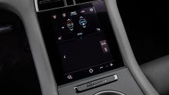 Porsche Taycan RWD, modello base sarai tu. La prova video - Immagine: 25