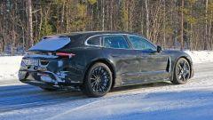 Porsche Taycan Sport Turismo, nuove foto spia. (Quasi) nuda - Immagine: 6
