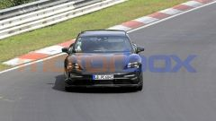 Porsche Taycan Sport Turismo, il frontale