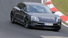 Porsche Taycan Sport Turismo vista frontale