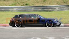 Porsche Taycan Sport Turismo, vista laterale