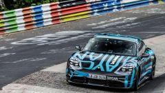 Porsche Taycan Turbo in azione al Nurburgring