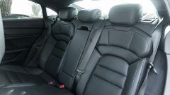 Porsche Taycan Turbo S: i sedili posteriori ospitano fino a tre passeggeri