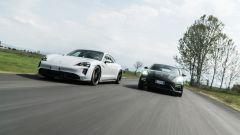 Porsche Taycan Turbo S vs Panamera Turbo S: affilate in pista come su strada