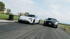 Porsche Taycan Turbo S vs Panamera Turbo S: le due rivali esprimono comfort, lusso e potenza in modo diverso