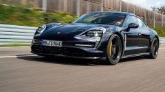 Porsche Taycan, vista frontale