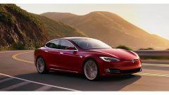 Porsche Taycan vs Tesla Model S: la Model S su strada