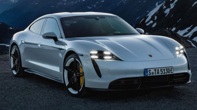 Porsche Taycan: zero emissioni e prestazioni esaltanti