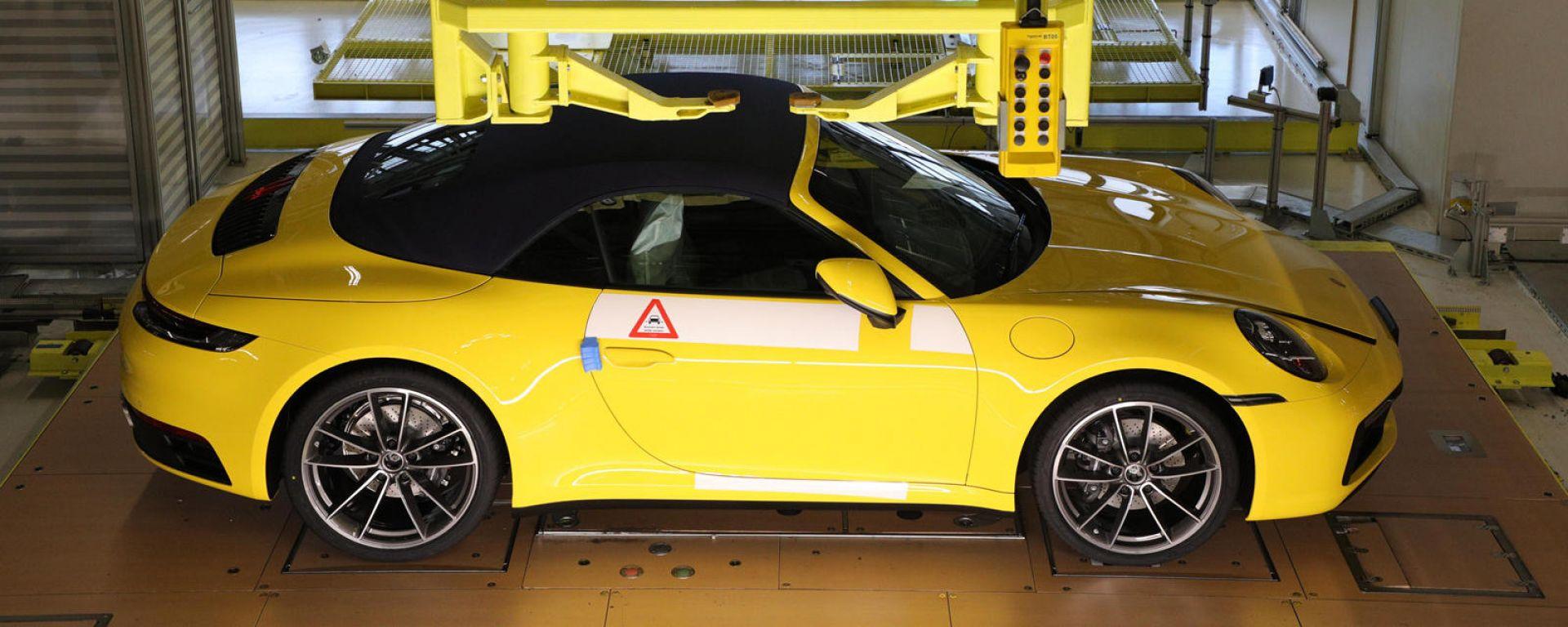 Porsche: telecamere nello stabilimento di Stoccarda