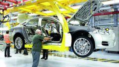 Programmi produttivi Gruppo JLR: una catena di montaggio Jaguar