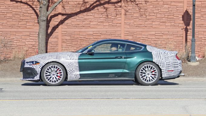 Prototipo Ford Mustang Mach 1: vista laterale
