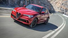 Alfa Romeo Stelvio Quadrifoglio: supercar travestita da SUV [VIDEO] - Immagine: 1