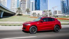 Alfa Romeo Stelvio Quadrifoglio: supercar travestita da SUV [VIDEO] - Immagine: 9