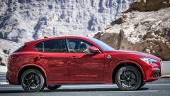 Alfa Romeo Stelvio Quadrifoglio: supercar travestita da SUV [VIDEO] - Immagine: 10