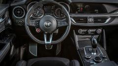 Alfa Romeo Stelvio Quadrifoglio: supercar travestita da SUV [VIDEO] - Immagine: 12