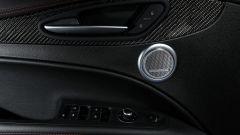 Alfa Romeo Stelvio Quadrifoglio: supercar travestita da SUV [VIDEO] - Immagine: 15