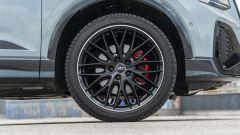 Prova Audi Q2 35 TFSI S tronic S line: cerchi neri da 19