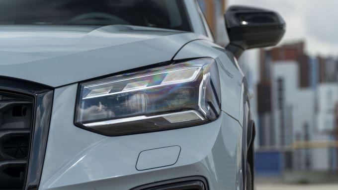 Prova Audi Q2 35 TFSI S tronic S line: i gruppi ottici Matrix LED