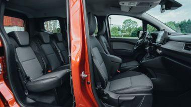 Prova di Renault Kangoo 2021: tanto spazio a bordo per tutti