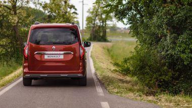 Prova di Renault Kangoo 2021: visuale posteriore