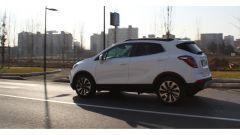 Opel Mokka X GPL Tech Innovation: anche gasata, la crossover va liscia - Immagine: 11