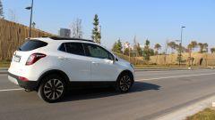 Opel Mokka X GPL Tech Innovation: anche gasata, la crossover va liscia - Immagine: 8