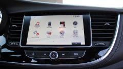 Opel Mokka X GPL Tech Innovation: anche gasata, la crossover va liscia - Immagine: 20