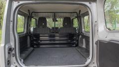 Suzuki Jimny Pro: posso guidarlo? Video prova on-road e offroad - Immagine: 31