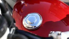 Moto Guzzi V9 Bobber sfida Triumph Street Twin - Immagine: 27