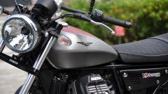 Moto Guzzi V9 Bobber sfida Triumph Street Twin - Immagine: 5