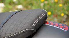 Moto Guzzi V9 Bobber sfida Triumph Street Twin - Immagine: 14