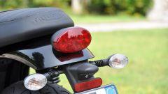 Moto Guzzi V9 Bobber sfida Triumph Street Twin - Immagine: 22