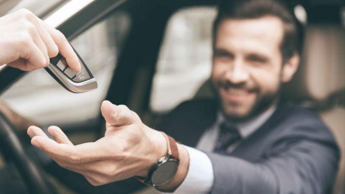 Provare l'auto dal concessionario: una sana abitudine