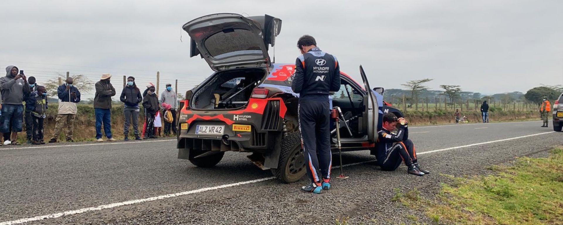 Rally Safari Kenya: clamoroso, Neuville ritirato! Toyota ringrazia, vince Ogier