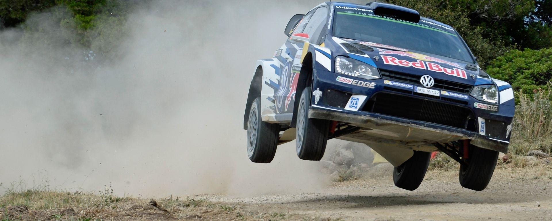 WRC Rally Sardegna: Latvala e Neuville, duello in testa