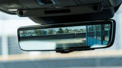 Range Rover Evoque 2019: lo specchio retrovisore è il monitor della retrocamera