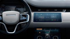 Range Rover Evoque 2020: il display a centro plancia rimane uguale