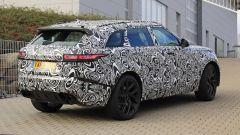 Range Rover Velar, arriva la SVR: avrà 550 cavalli - Immagine: 4