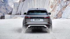 Range Rover Velar, il posteriore è inconfondibile