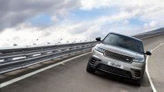 Range Rover Velar: il listino prezzi del nuovo suv inglese - Immagine: 4