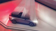 Range Rover Velar, svelata in anteprima al Design Museum di Londra
