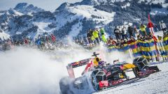Red Bull: il 2019 inizia con crash test, shakedown e... neve