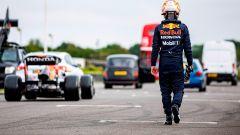 Red Bull F1 vs London taxi vs Spitfire vs Ford Transit: il video