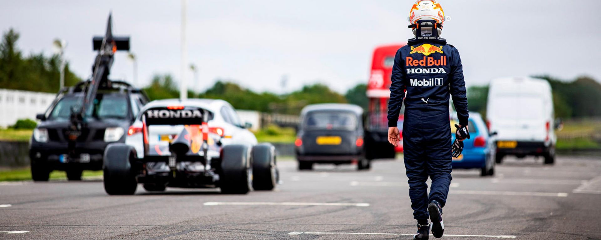 Red Bull RB7 vs British All Star: un thriller holliwoodiano